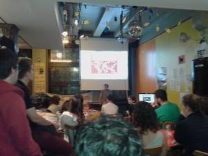 Película, tapas y debate sobre la emigración española para presentar la Marea Granate en Alsacia
